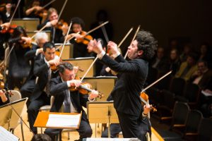 LA-Philharmonic-and-Gustavo-Dudamel-in-their-Celebrity-Series-performance-at-Symphony-Hall.-Credit-Robert-Torres-2